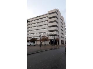 Ver Apartamento T2, Norte Shopping (Senhora da Hora), São Mamede de Infesta e Senhora da Hora, Matosinhos, Porto, São Mamede de Infesta e Senhora da Hora em Matosinhos