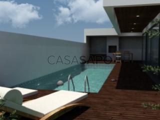Voir Maison Isolée 4 Pièces Avec piscine, Salgueiros , Canidelo, Vila Nova de Gaia, Porto, Canidelo à Vila Nova de Gaia