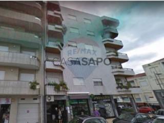 See Apartment 2 Bedrooms, St.Tirso, Couto (S.Cristina e S.Miguel) e Burgães in Santo Tirso