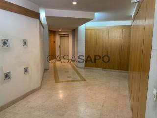 Ver Apartamento T2 Com garagem, Príncipe Real (Mercês), Misericórdia, Lisboa, Misericórdia em Lisboa