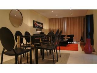 Ver Apartamento T8 com garagem, Cidade de Talatona em Talatona