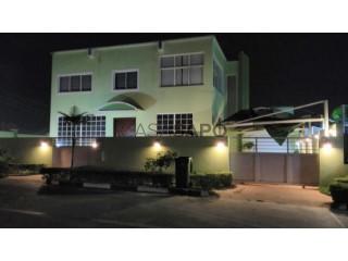 Ver Moradia T5+1 Duplex com garagem, Cidade de Talatona em Talatona