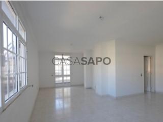 Ver Apartamento T3, Câmara de Lobos, Madeira em Câmara de Lobos