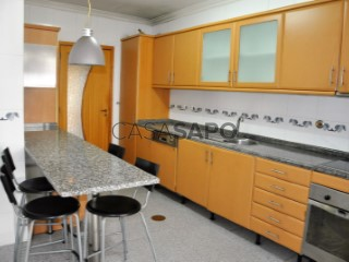 See Apartment 2 Bedrooms with garage in Valongo