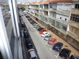 Voir Appartement 3 Pièces, Águas Livres à Amadora