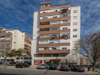 See Apartment 2 Bedrooms, Barcarena in Oeiras