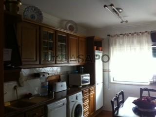 Ver Apartamento T3 com garagem, Nossa Senhora de Fátima no Entroncamento