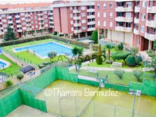 Ver Piso 2 habitaciones + 3 hab. auxiliares con garaje en Castro-Urdiales