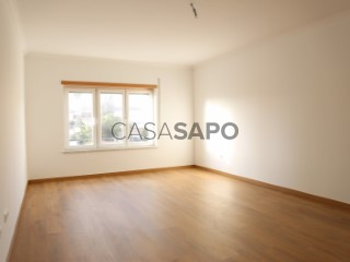 Ver Apartamento T2, Centro (Lourinhã), Lourinhã e Atalaia, Lisboa, Lourinhã e Atalaia na Lourinhã