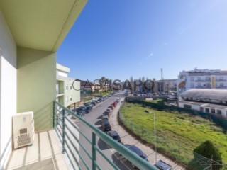 Ver Apartamento T3 Com garagem, Centro (Lourinhã), Lourinhã e Atalaia, Lisboa, Lourinhã e Atalaia na Lourinhã