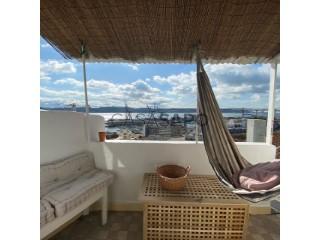 See Apartment 2 Bedrooms, Lapa (Santos-o-Velho), Estrela, Lisboa, Estrela in Lisboa