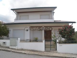 Ver Moradia T5 com garagem, Santa Clara e Castelo Viegas em Coimbra