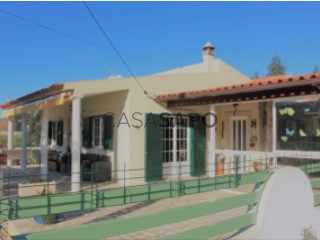 See Single Level Home 3 Bedrooms With garage, S.P., Santiago, S.M. Castelo e S.Miguel, Matacães, Torres Vedras, Lisboa, S.P., Santiago, S.M. Castelo e S.Miguel, Matacães in Torres Vedras