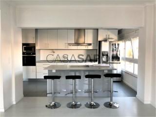 Voir Appartement 4 Pièces Duplex, Fanqueiro, Loures, Lisboa à Loures