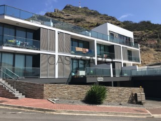 See Apartment 2 Bedrooms Triplex with garage in Machico