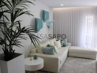 Ver Apartamento T3 com garagem, Venteira na Amadora