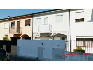 See Semi-Detached House 4 Bedrooms Duplex With garage, Centro (Custóias), Custóias, Leça do Balio e Guifões, Matosinhos, Porto, Custóias, Leça do Balio e Guifões in Matosinhos
