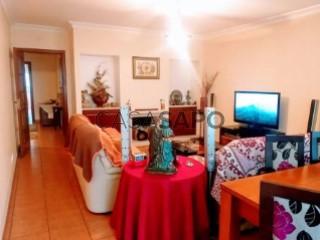 Ver Apartamento T2 Com garagem, Liceu (Nossa Senhora de Fátima), Entroncamento, Santarém, Nossa Senhora de Fátima no Entroncamento