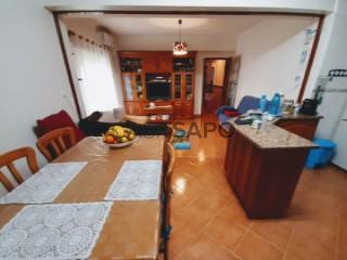 See Apartment 3 Bedrooms With garage, Bonito (Nossa Senhora de Fátima), Entroncamento, Santarém, Nossa Senhora de Fátima in Entroncamento