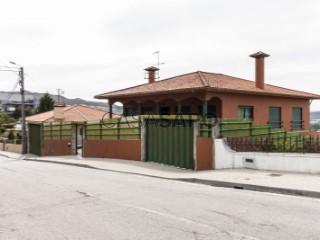 See House 3 Bedrooms Triplex with garage, Santo Adrião de Vizela in Vizela