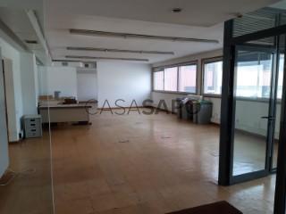 Voir Immeuble de bureaux, Zona Industrial, Ramalde, Porto, Ramalde à Porto