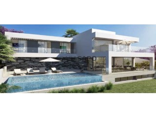 Ver Chalet 4 habitaciónes, Duplex con garaje, Cancelada en Estepona