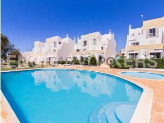 Ver Moradia T3 Duplex Com piscina, Sesmarias (Albufeira), Albufeira e Olhos de Água, Faro, Albufeira e Olhos de Água em Albufeira