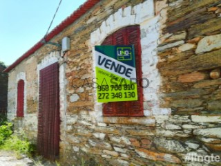 See House 2 Bedrooms With garage, Sarzedas, Castelo Branco, Sarzedas in Castelo Branco