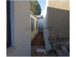 See Duplex House 2 Bedrooms, Estação Campanhã, Porto, Campanhã in Porto