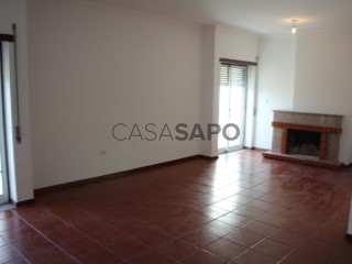 Voir Appartement 5 Pièces Avec garage, Marzovelos (Coração de Jesus), Viseu à Viseu