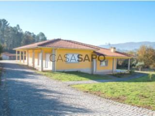 See House  with garage, Sande, Vilarinho, Barros e Gomide in Vila Verde