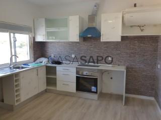 Ver Apartamento T2 Triplex, Alto do Seixalinho, Santo André e Verderena no Barreiro