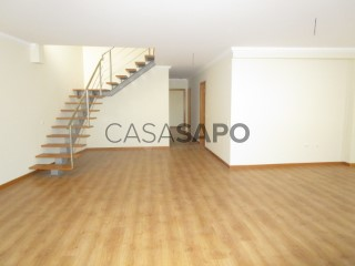 See Duplex 4 Bedrooms With garage, Centro, Alhos Vedros, Moita, Setúbal, Alhos Vedros in Moita