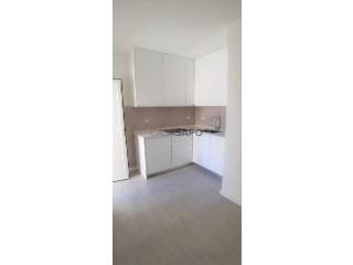 Ver Apartamento T3 Com garagem, Jardim de Cima (São Salvador), Cidade de Santarém, Cidade de Santarém em Santarém