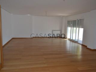 See Apartment 4 Bedrooms with garage, Costa da Caparica in Almada