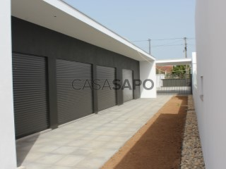 See Single Level Home 3 Bedrooms, Andrinos (Pousos), Leiria, Pousos, Barreira e Cortes, Leiria, Pousos, Barreira e Cortes in Leiria