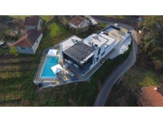 Ver Villa T4, Canedo de Basto e Corgo em Celorico de Basto
