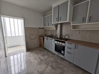 See Apartment 2 Bedrooms, Almada, Almada, Cova da Piedade, Pragal e Cacilhas, Setúbal, Almada, Cova da Piedade, Pragal e Cacilhas in Almada